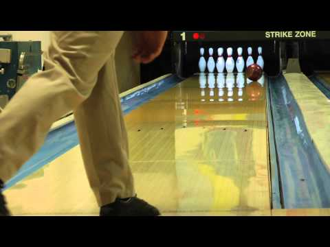 Brunswick Strike King Bowling Ball Reaction Video Ball Review {vs} the Brunswick Slingshot