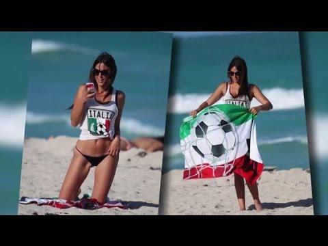 Das italienische Model Claudia Romani im Bikini