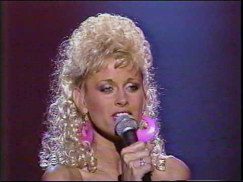 Lorrie Morgan I Fall To Pieces video