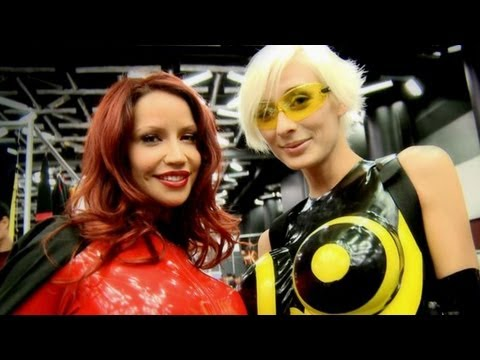 Cosplay Cyber Latex Dress with Bianca Beauchamp and Marie-Claude Bourbonnais Otakuthon 2010 Video