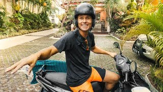 THE INSANE BALI MOPED CLASS! OLD HONDA | VLOG² 77