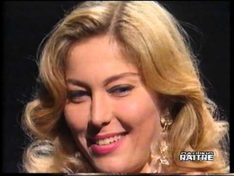 Moana pozzi videolike - Diva futura l avventura dell amore ...