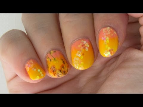 Diseño de uñas con flores secas y purpurina / Nail art design with dry flowers and glitter
