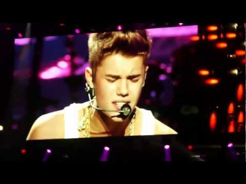 Justin Bieber - Mistletoe (Z100 Jingle Ball 2012)