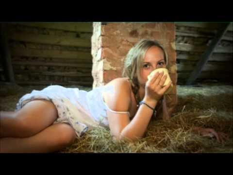 русские на сеновале видео порно