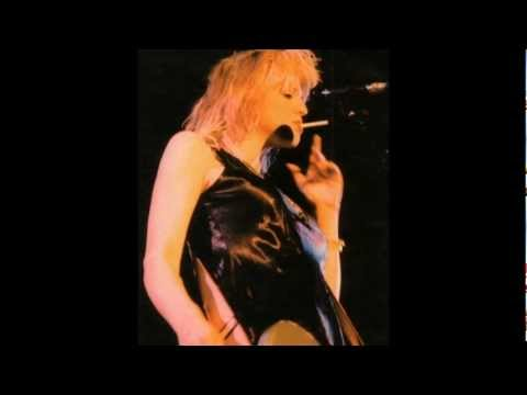 Hole - Gutless [Rare Album Outtake]