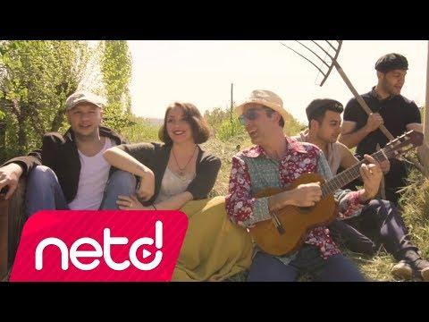 Ahmet Beyler feat. Ezgi Aktan - Köyümde Var