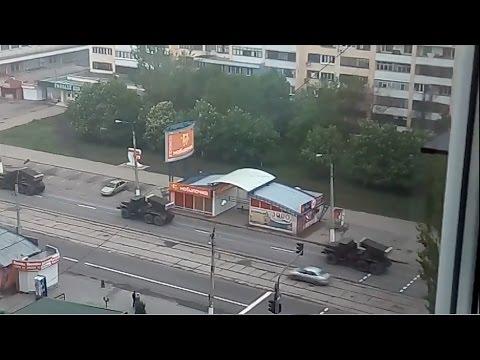 В Луганск зашла бесконечная колона Российской артиллерии и бронетехники \ RUSSIA troops in Ukraine