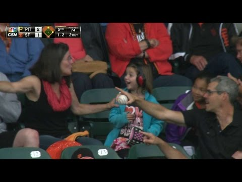 Pirates fan tosses foul ball to young girl