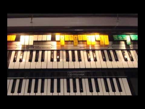 Italian vintage organ CRB Diamond 702