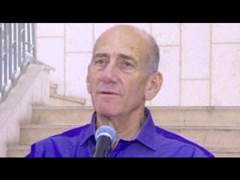 Ehud Olmert reconnu coupable de corruption, mais échappe au pire