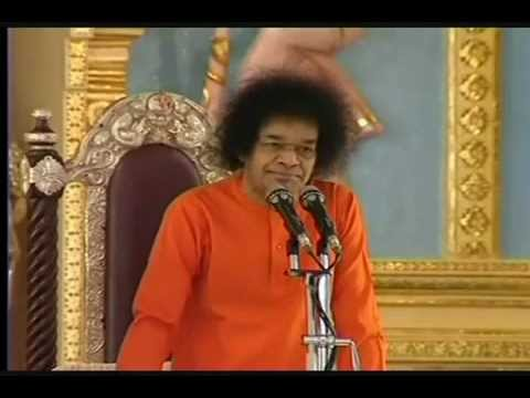 Drops of Light: Sathya Sai Baba on Inner Peace, Communal Love, and Global Harmony