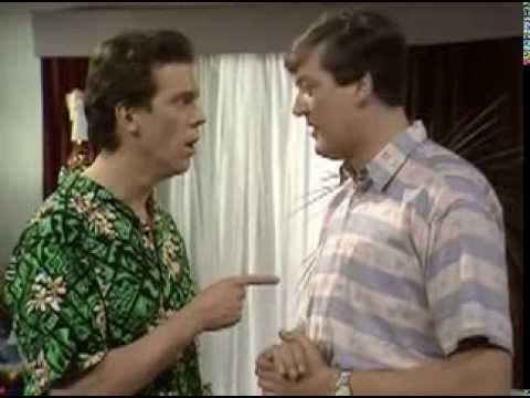 """Шоу Фрая и Лори. Английский юмор """"на грани""""."""