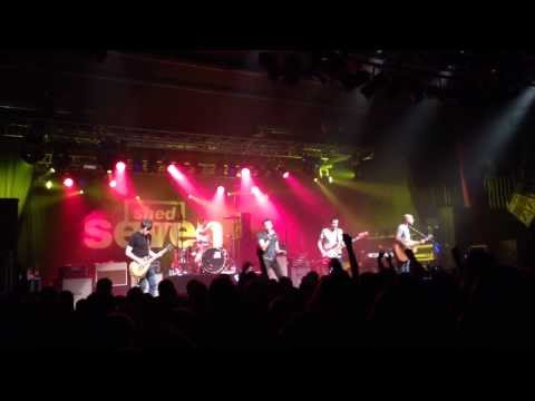 shed-seven-going-for-gold-live-at-sheffield-o2-academy-81213-in-full-hd.html