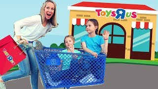 Last Toy School Field Trip to a REAL Toys R Us! 😭