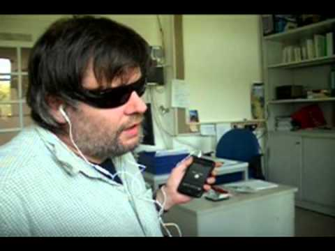 Demo: blind person uses iPhone