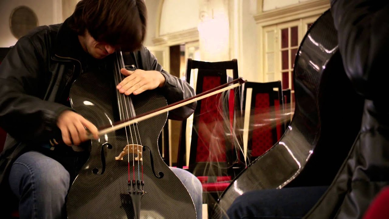 Хорватский дуэт виолончелистов 2CELLOS