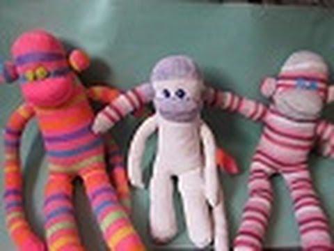 DIY Monos hechos de Calcetas para el Día del Niño