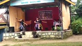 Dance performed by children during Teachers' Day