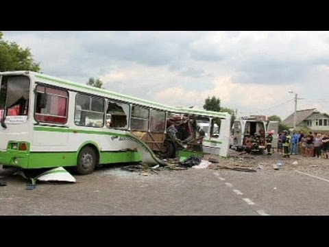 '14 dead' in Moscow bus crash, Russian officials blame lorry driver