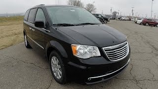2015 Chrysler Town & Country Touring Black | New Minivan For Sale Indiana | 17612