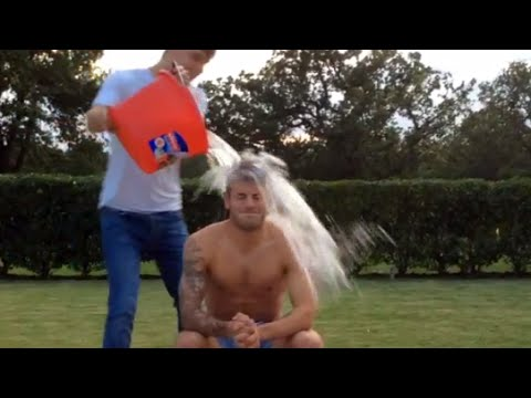 Jack Wilshere Takes On The ALS 'Ice Bucket Challenge' !!