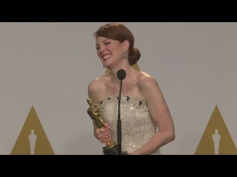 Raw: Julianne Moore backstage at the Oscars