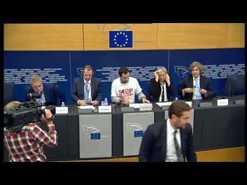 Emergenza ebola, conferenza stampa Matteo Salvini e Marine Le Pen