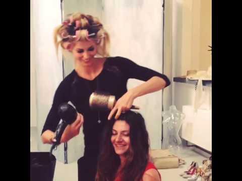 Elena Santarelli 'tortura' la sua make-up artist!