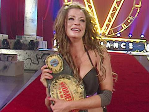 Wwe Alumni: Candice Michelle Defeats Melina For The Women's video