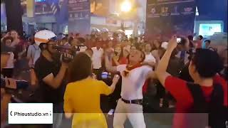 Nối Triệu Trái Tim chế nối vòng tay lớn – Nhạc chế chúc mừng U23 Việt Nam vào Chung Kết