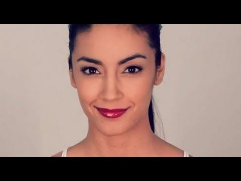 Hot 5 Minute Look: Perse Pout - a Make Up Tutorial Video by Robert Jones