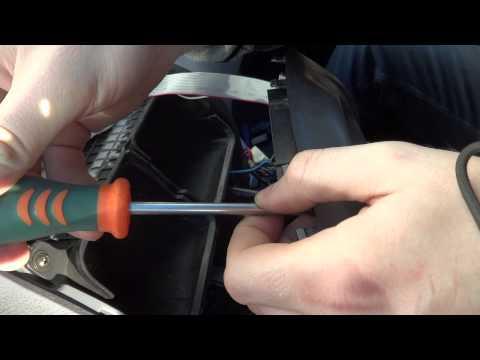 снятие центральной консоли на Hyundai Accent