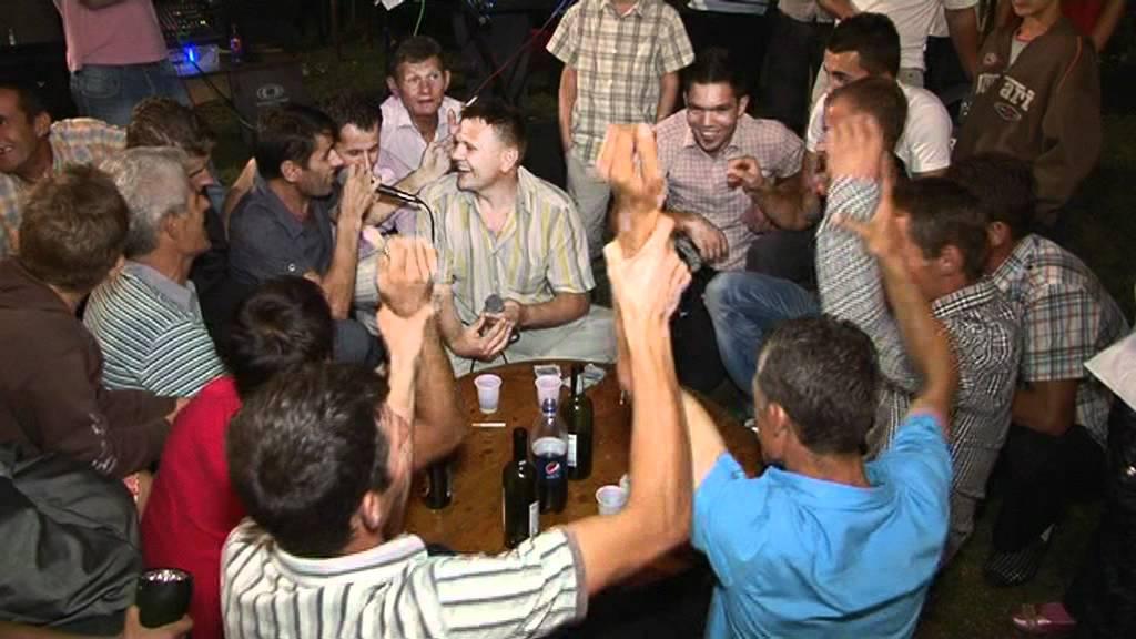 Enver Bajrami Live Mitrovic na rrehi teli - YouTube