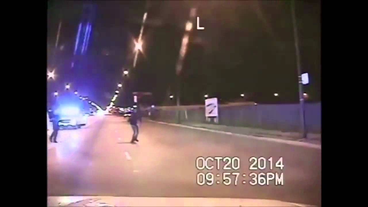 Tizenhatszor lőtt rá egy fehér rendőr egy fekete tinédzserre - videó