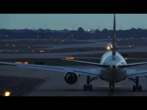 ATL: Friday Night Lights - Rwy 26L