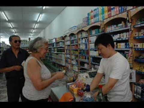BIEN LEVANTADO - CHINO, LLAMA A SUPERMERCADO CHINO
