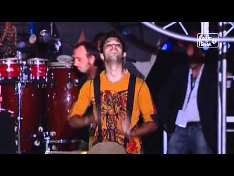Edoardo Bennato & Alex Britti – Mangiafuoco