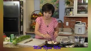 Uyen Thy's Cooking - Nấm Đùi Gà Kho Tộ & Bầu Nướng Mỡ Hành