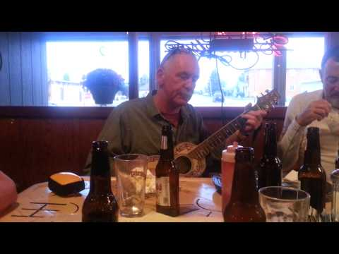 Irish singalong in Wisdom, Mt