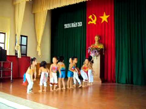 Lp chi nhy dance boom boom boom - mm non hoa hng 
