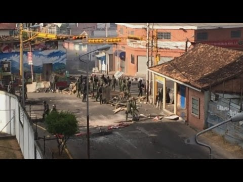 Venezuela violence: Amateur footage shows police clashing with protesters