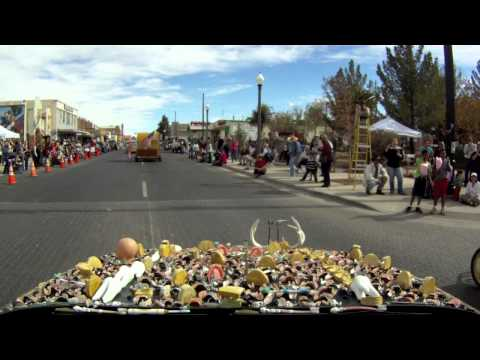 Alpine, TX, Art Car Parade 2011 - Video from The ChewBaru
