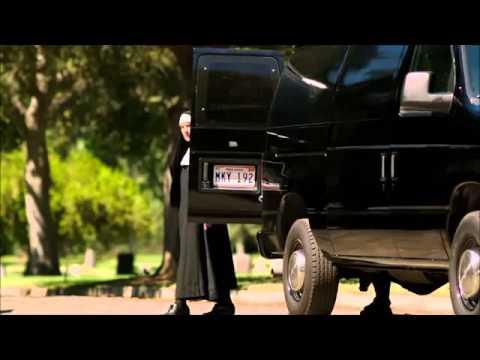 BEHAVING BADLY - trailer de oficial