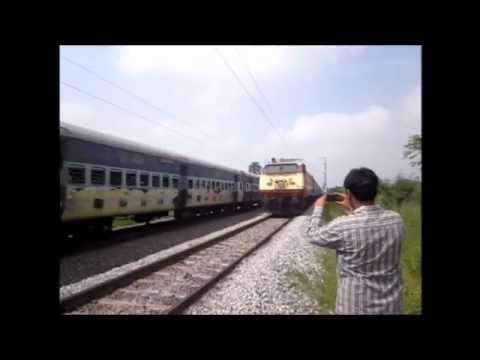 Wap-4 Clashes With Old Daddy Wap-1 In 220km hr Encounter! :o video