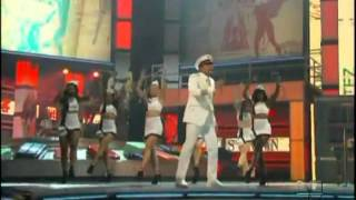 International love - Pitbull & Chris Brown Premios Lo nuestro (2012).mpg