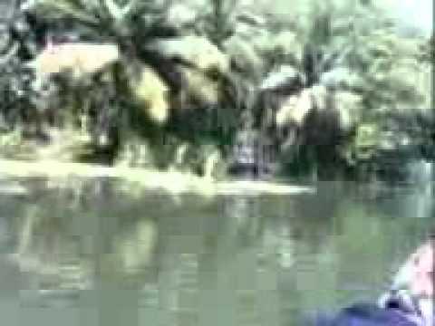 Tamilnadu Malayali College Student  At A Boat.3gp video