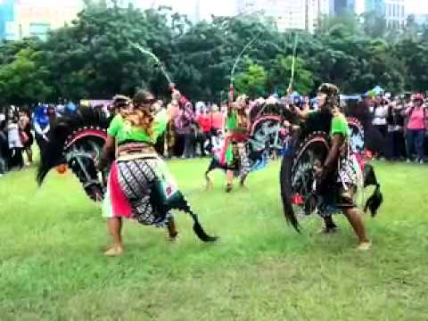 Turonggo Safitri Putro ~ Bmi Hongkong video