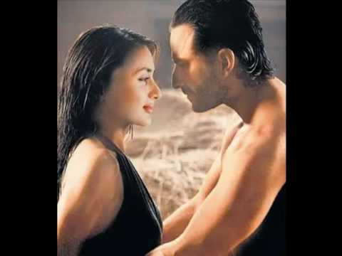 Kareena Kapoor Kissing video