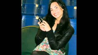 New personal pictures of Demi.